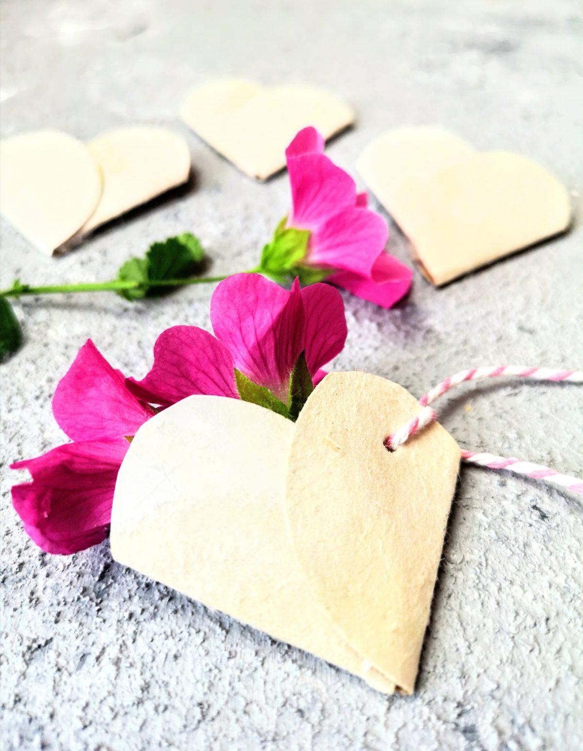 Tetra-Pack Herz für Blümchen